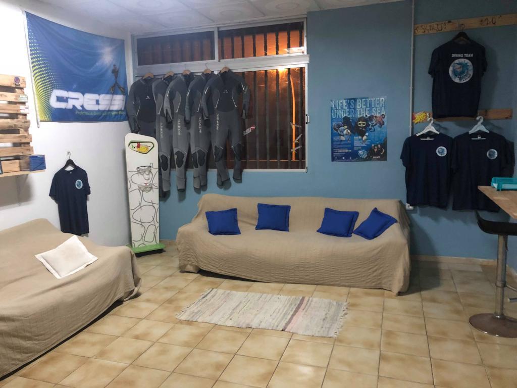 leagues diving shop
