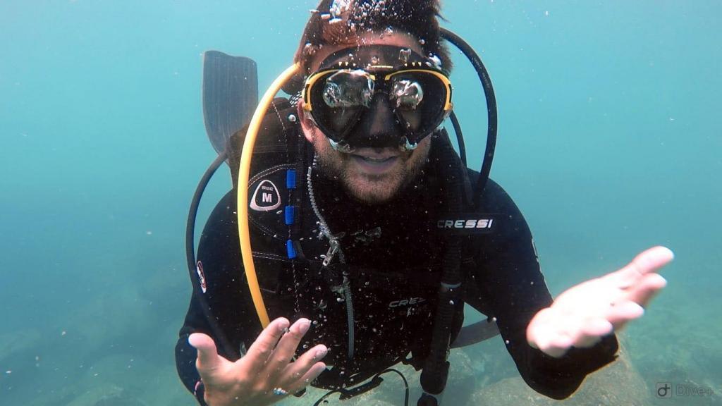 divermaster underwater training